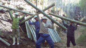 竹林整備を通じた地域貢献・環境保全活動と県産竹材を使った産業振興の取り組み